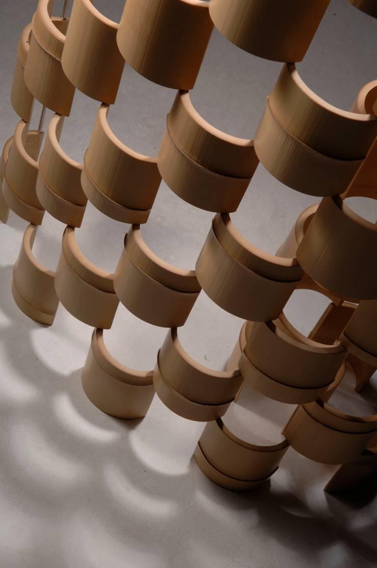 The Bamboo – パーティション: 有限会社スペースマジックモンが手掛けた現代のです。,モダン 竹 緑