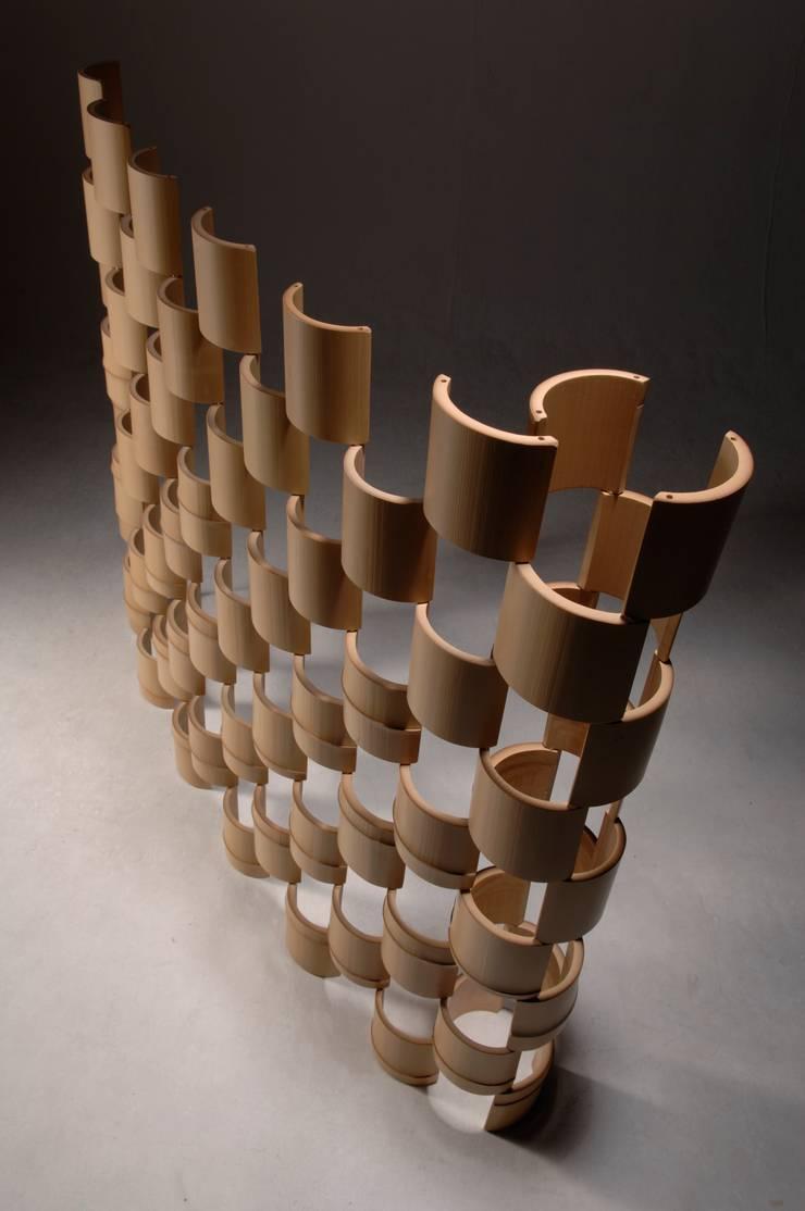 The Bamboo - パーティション: 有限会社スペースマジックモンが手掛けた現代のです。,モダン 竹 緑