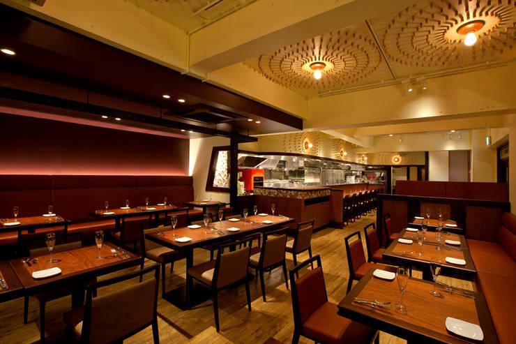 テーブル席 オリジナルなレストラン の TO オリジナル