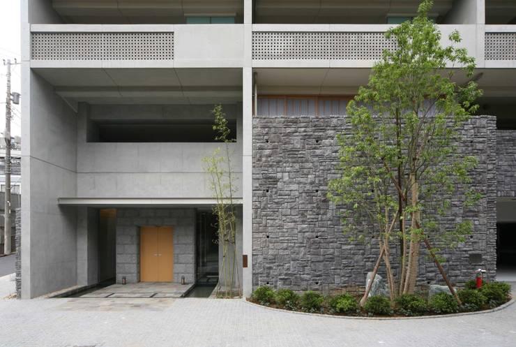 打ち放しコンクリートと御影石: PROSPERDESIGN ARCHITECT OFFICE/プロスパーデザインが手掛けた家です。,オリジナル