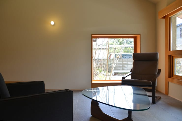 リビング: バウムスタイルアーキテクト一級建築士事務所が手掛けたリビングです。