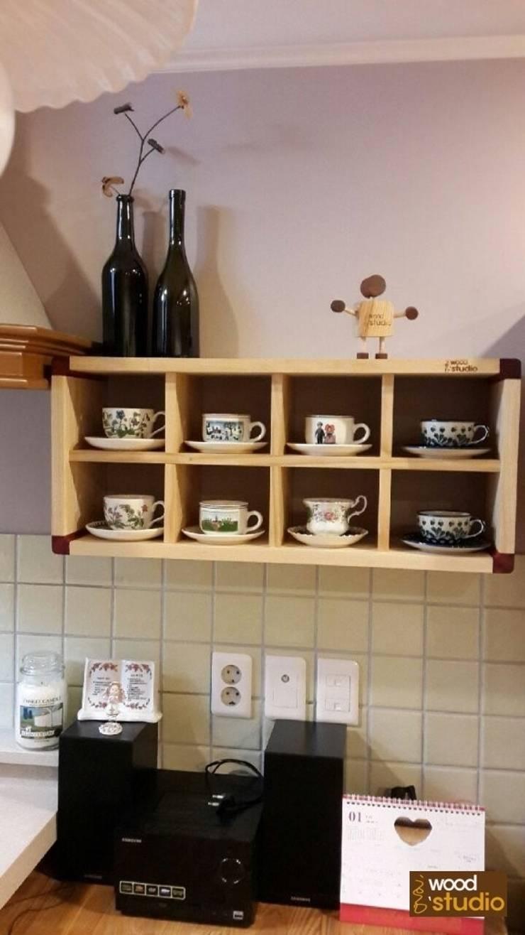 애쉬 원목 장식장[Round edge #2] – 3Door ash Cabinet & shelf: 홍스목공방의  주방