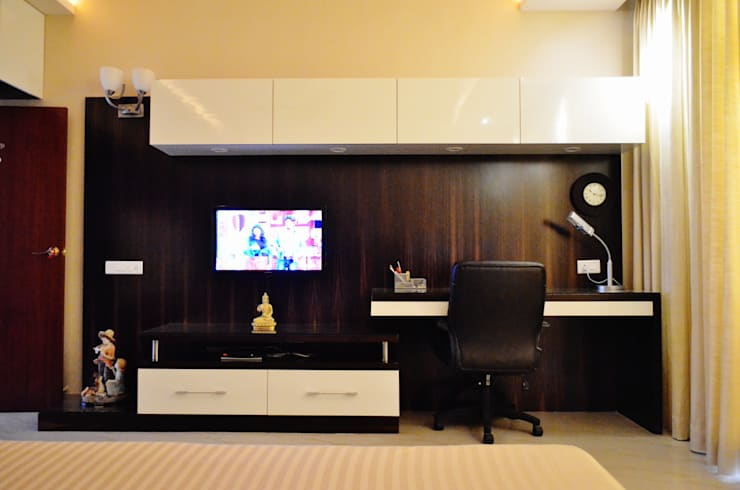 """<q class=""""-first""""> I Belong To U </q>:  Bedroom by Artis Interiorz Private Limited"""