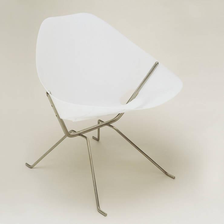 Cadeira Bacará: Casa  por Atelier Pedro Silva Dias