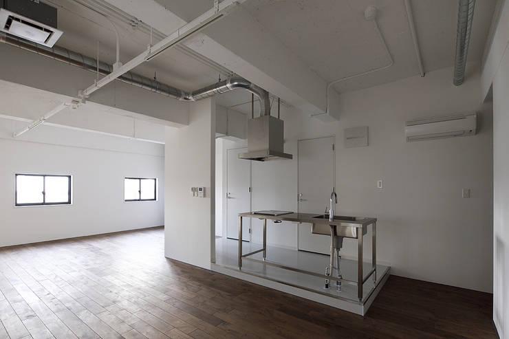 Jimukino-Ueda - ジムキノウエダ -: 株式会社アーキネット京都1級建築士事務所が手掛けたキッチンです。,