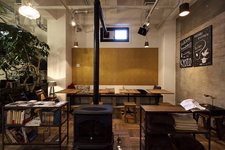 Jimukino-Ueda - ジムキノウエダ -: 株式会社アーキネット京都1級建築士事務所が手掛けたダイニングです。,