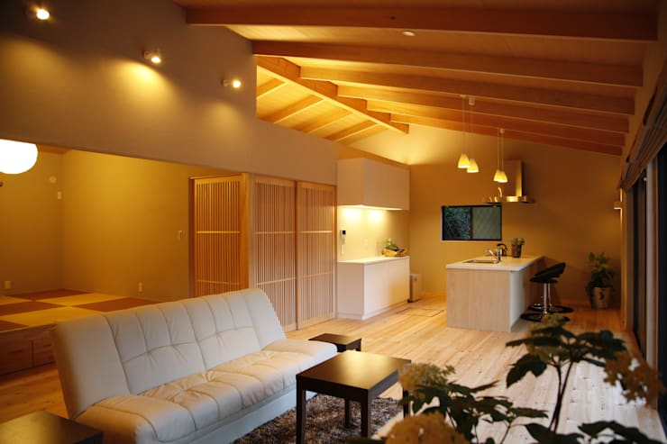 KI HOUSE: 日菜設計室 HINA ARCHITECTSが手掛けた窓です。,
