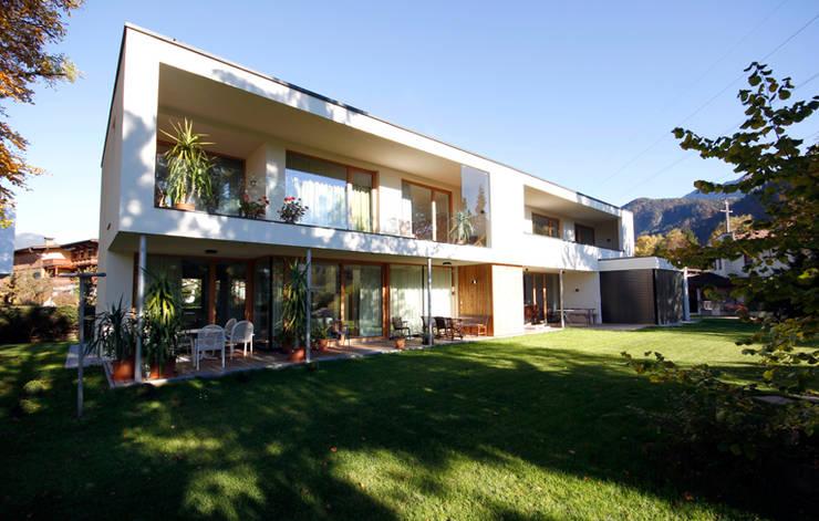 Casas de estilo  por BESTO ZT GMBH_ Architekt DI Bernhard Stoehr