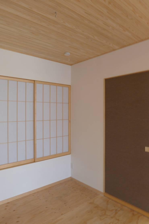 栗東の家: 株式会社 atelier waonが手掛けた和室です。,