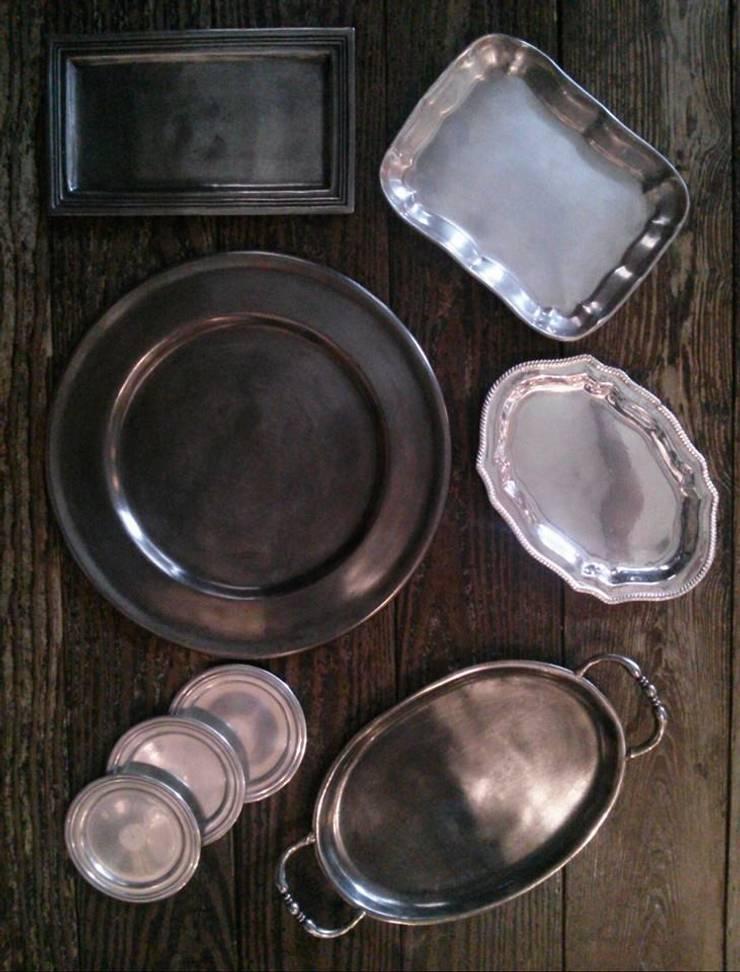 Pewter plates: M'amour(マムール)が手掛けたダイニングルームです。