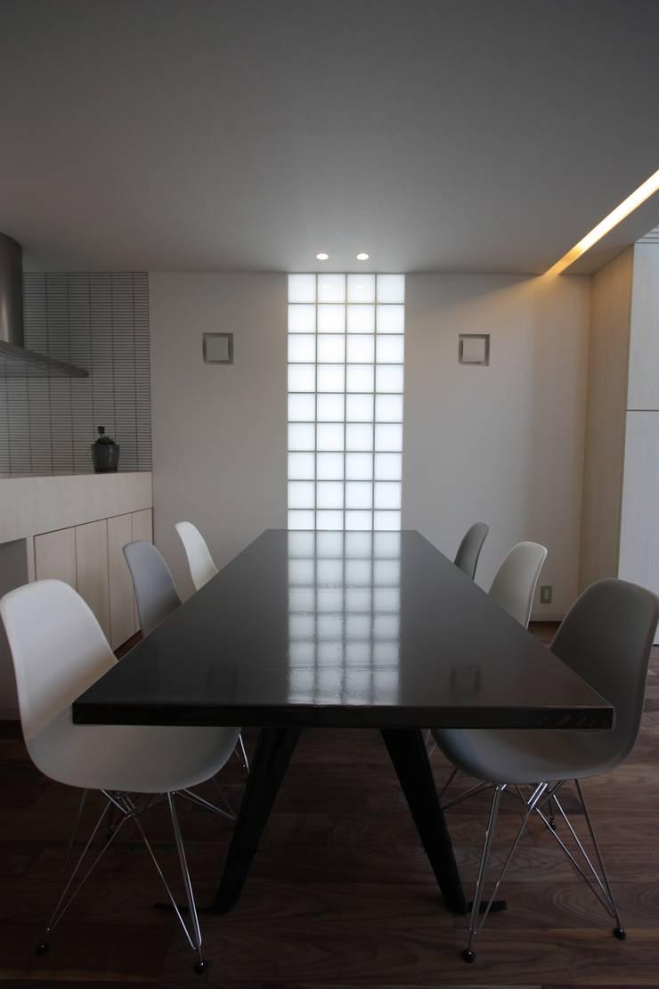 K-house: クコラボ一級建築士事務所が手掛けたダイニングです。,