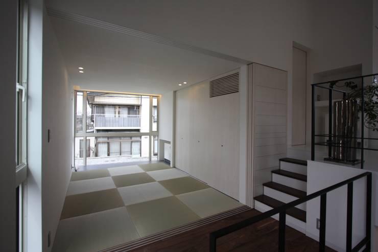 K-house: クコラボ一級建築士事務所が手掛けた和室です。,