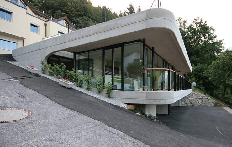WOHNHAUS P.:  Häuser von BESTO ZT GMBH_ Architekt DI Bernhard Stoehr