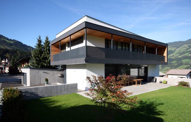 房子 by BESTO ZT GMBH_ Architekt DI Bernhard Stoehr