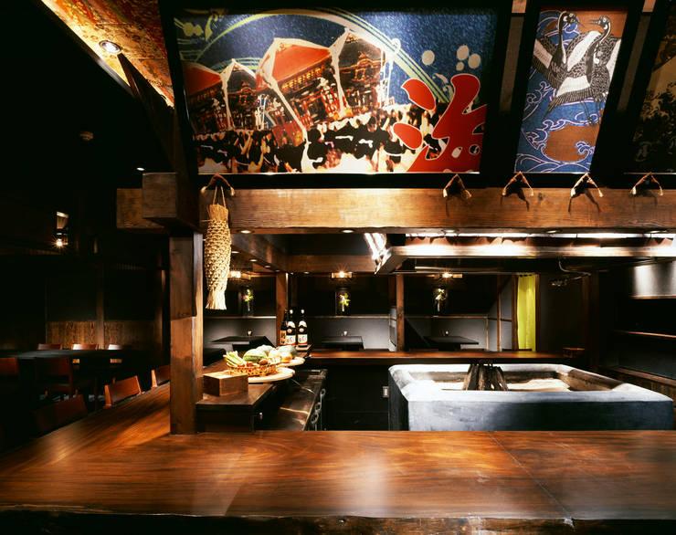 炉端  檜屋 炉端居酒屋 [麻布十番]: DESIGN LABEL KNOTが手掛けたレストランです。