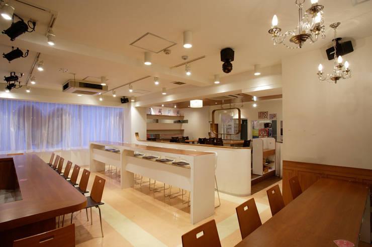 @home cafe head store: DESIGN LABEL KNOTが手掛けたレストランです。