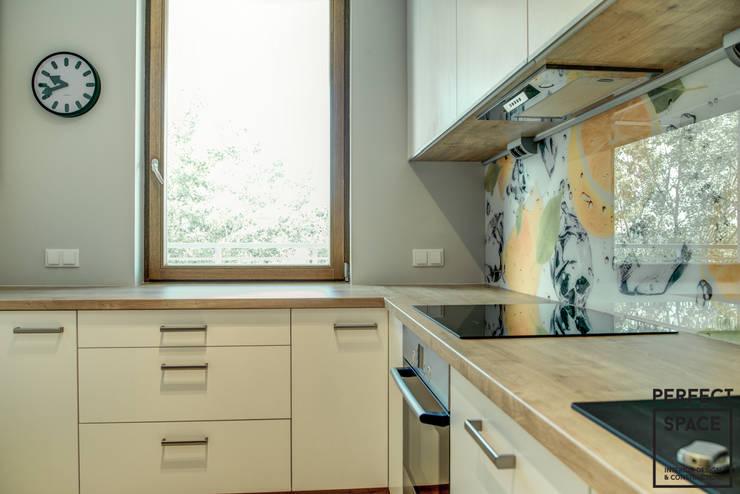 Włoska robota: styl , w kategorii Kuchnia zaprojektowany przez Perfect Space