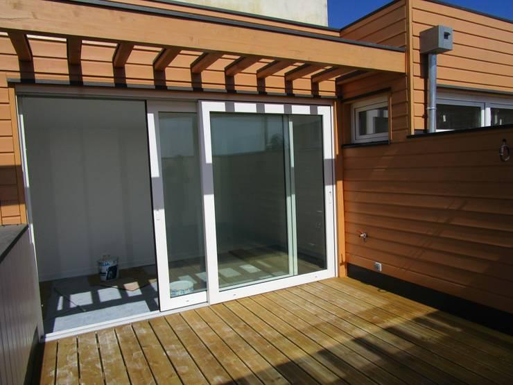 terrasse : Terrasse de style  par Paula Bianco