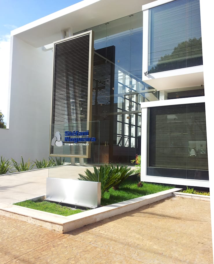 Sede Construtora Stéfani Nogueira: Edifícios comerciais  por Barillari Arquitetura