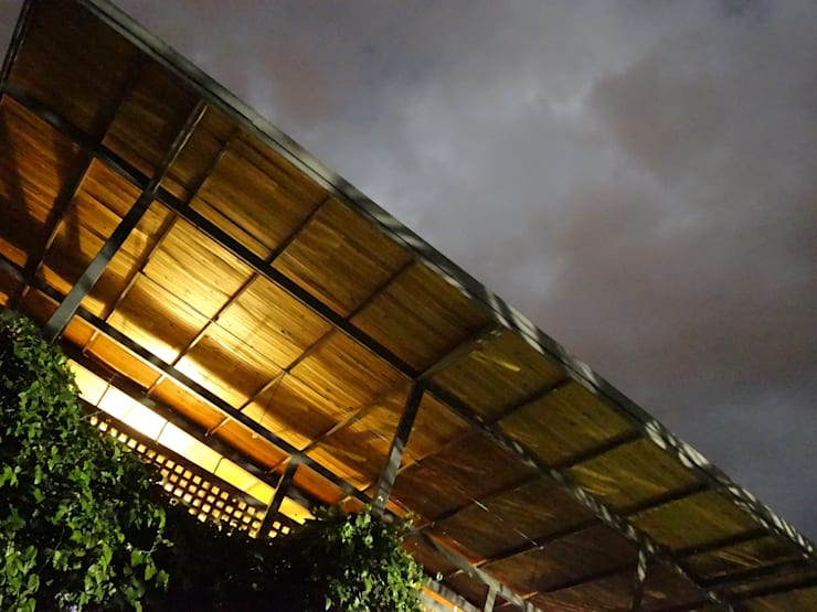 Casa LA SANTAMARIA Casas de estilo rural de vermelho arquitectos Rural