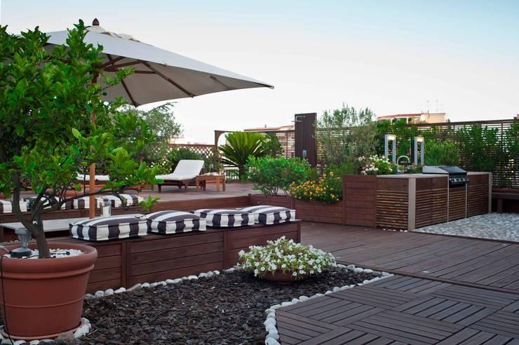 Terrasse de style  par architetto Lorella Casola