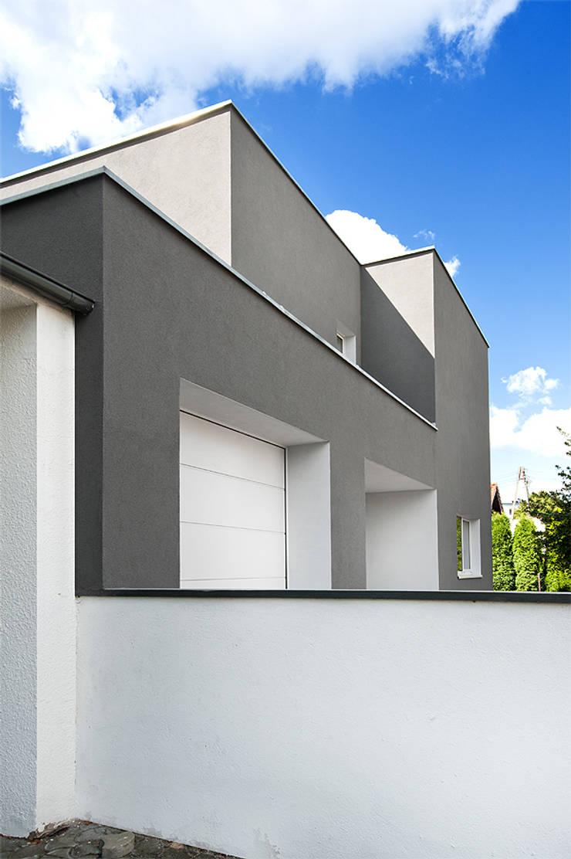 LEPSZA KOSTKA, PL+: styl , w kategorii Domy zaprojektowany przez PL+sp. z o.o.,