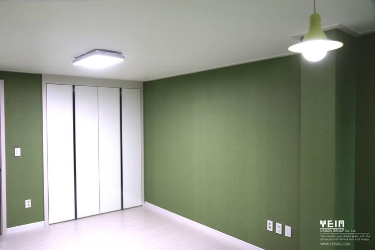 계룡리슈빌 before & after : 주)예인 디자인 그룹의  아이방