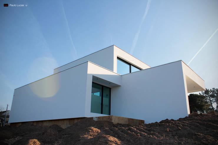 House CG - Paulo Lucas, Arq.: Casas  por SPL - Arquitectos