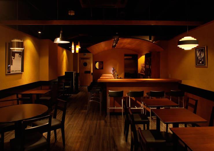 bar blast: DESIGN LABEL KNOTが手掛けたバー & クラブです。