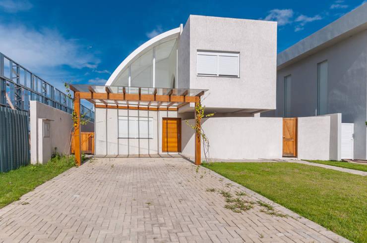 Casas Novas: Casas  por ME Fotografia de Imóveis