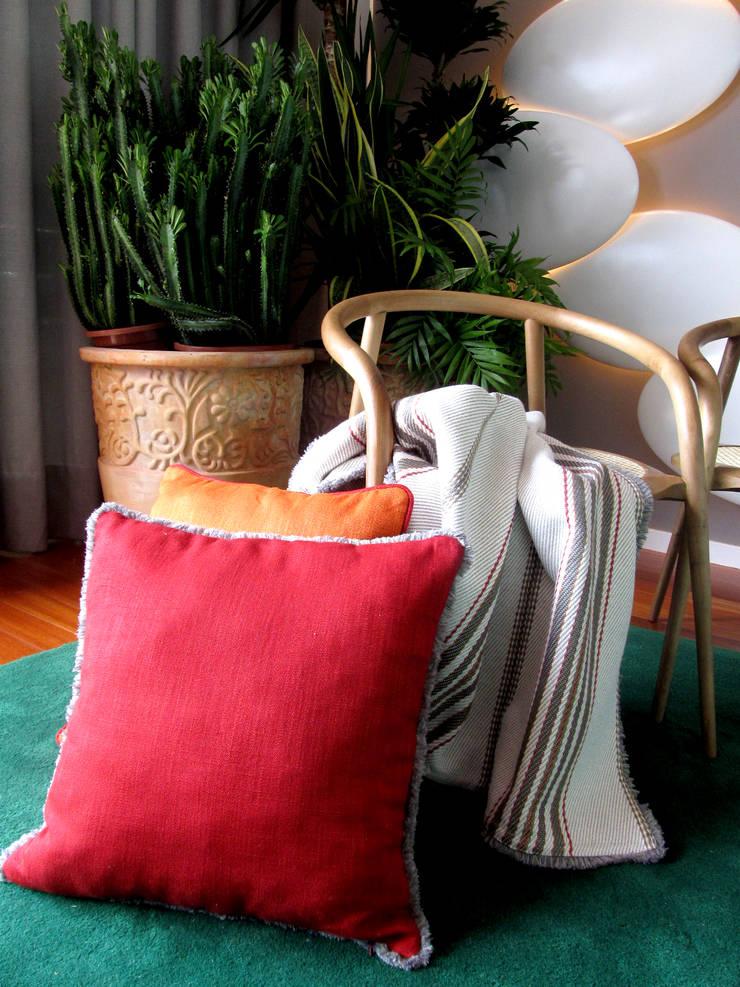 Vale Pisao: Salas de estar  por ACTUAL SOLUCÕES