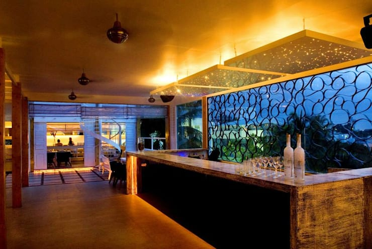 Spiga: modern Dining room by In-situ Design