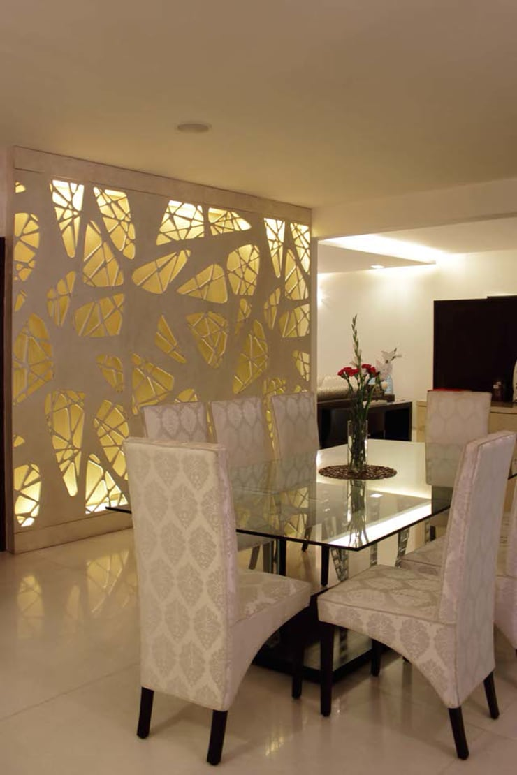 Apartment at Embassay Woods:  Dining room by In-situ Design