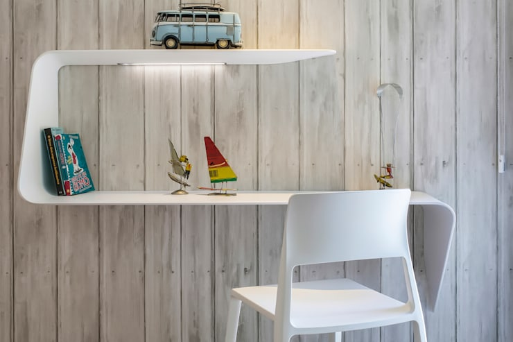Study/office by INAIN Interior Design