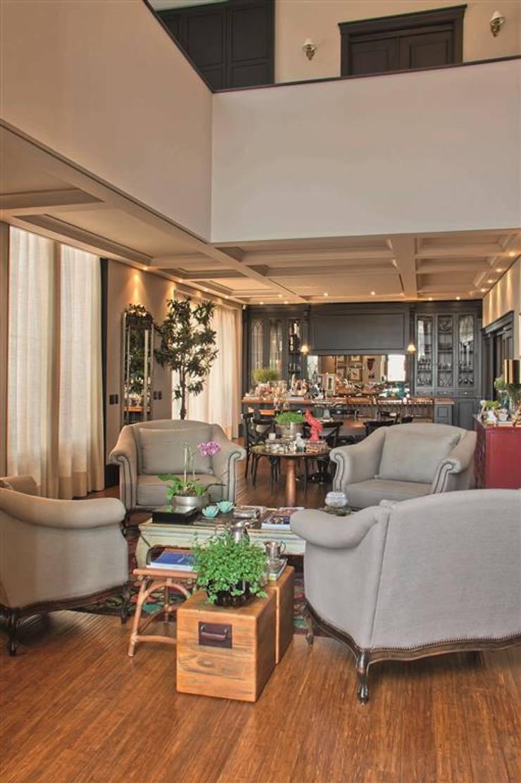 Residência Quinta do Golfe : Salas de estar  por FERNANDO ROMA . estudioROMA