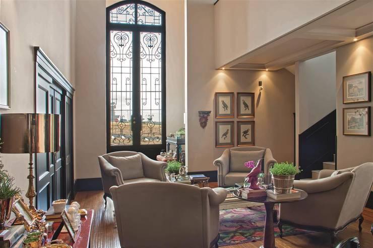 Projekty,  Salon zaprojektowane przez FERNANDO ROMA . estudioROMA