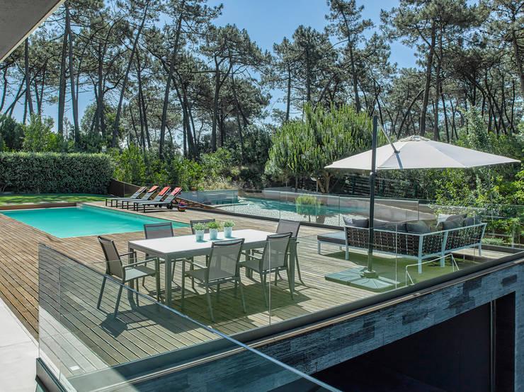 Pool by INAIN Interior Design