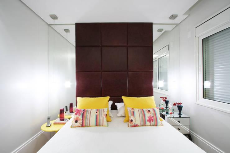 Apartamento Itaim: Quartos  por Officina44