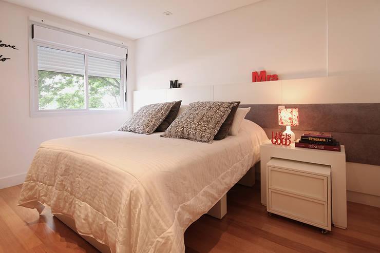 Apartamento Moema: Quartos  por Officina44,Moderno