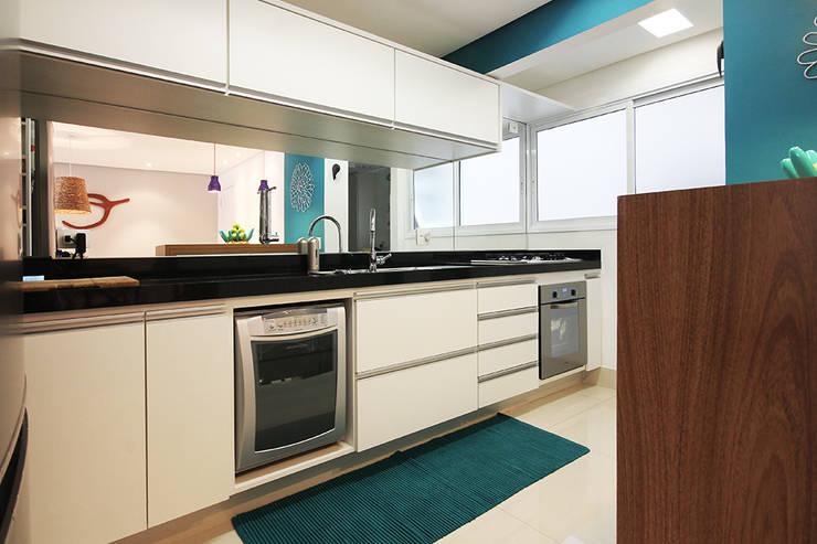 Apartamento Moema: Cozinhas  por Officina44,Moderno