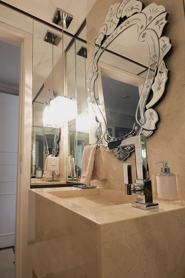 Apartamento em Pinheiros: Banheiros  por Officina44
