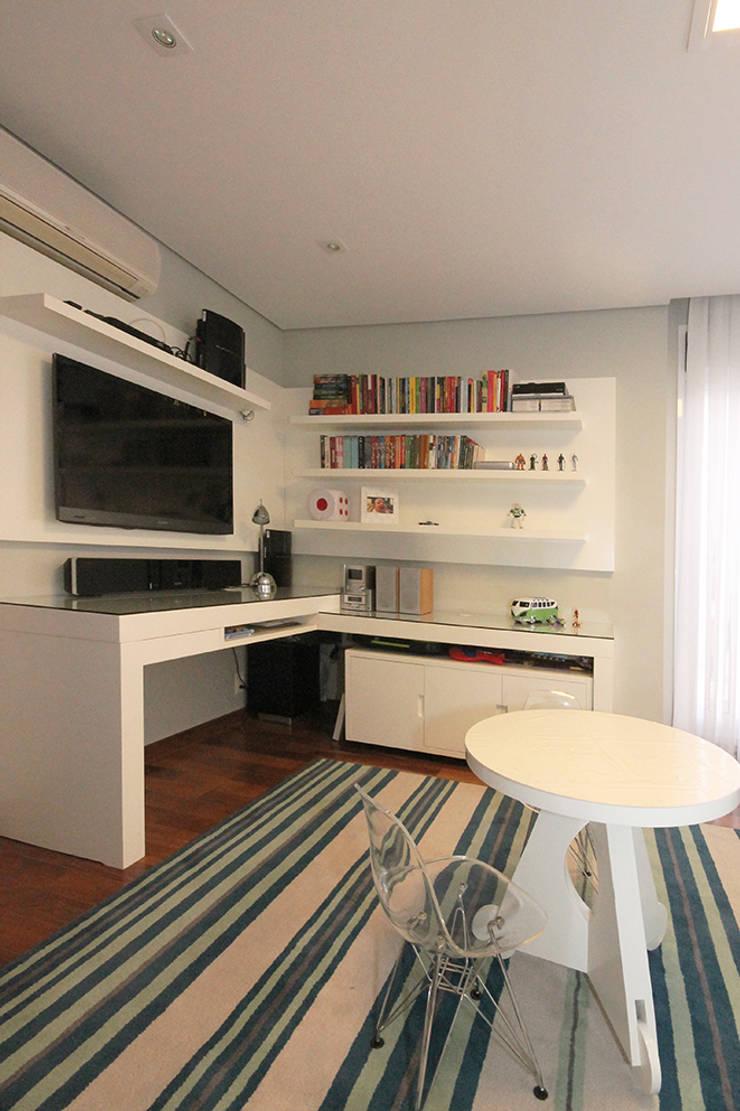 Apartamento em Pinheiros: Quarto infantil  por Officina44