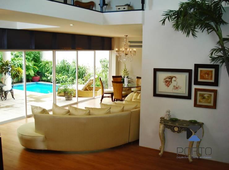 """proyecto residencial """"SR01"""" : Salas de estilo  por PORTO Arquitectura + Diseño de Interiores"""