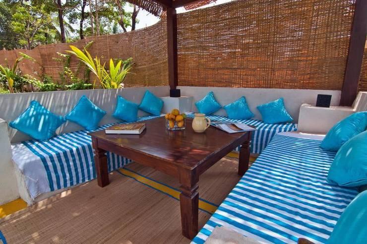 Yassmine:  Terrace by Rita Mody Joshi & Associates