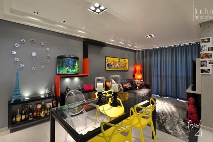 Apartamento jovem : Salas de estar  por Bethina Wulff