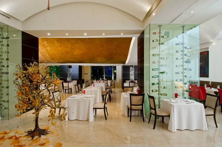 Restaurante Piaf.: Comedores de estilo  por MC Design