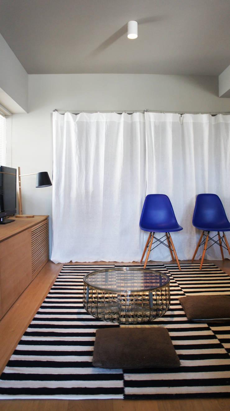 Matsumicho House: イロリイデザインが手掛けた和室です。,