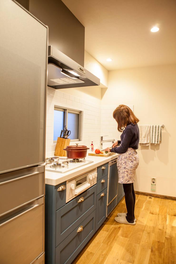 のんびり過ごせる快適な家 北欧デザインの キッチン の 株式会社コリーナ 北欧