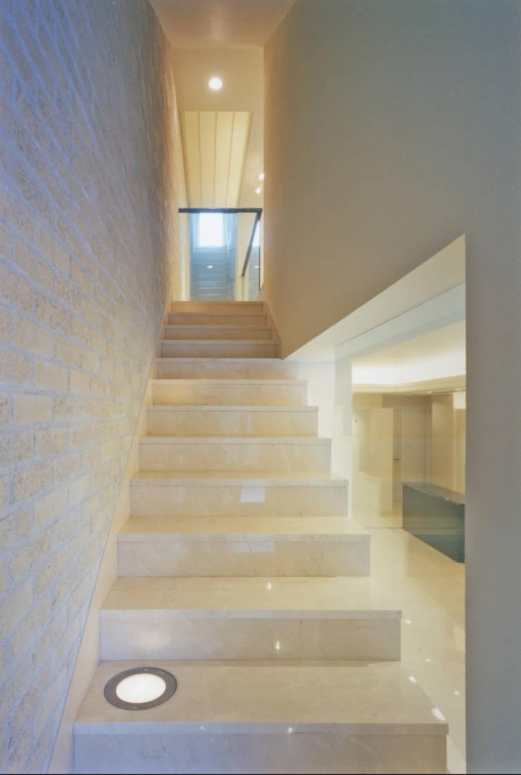 Mode Yamagishi: 松原デザイン一級建築士事務所が手掛けた商業空間です。,