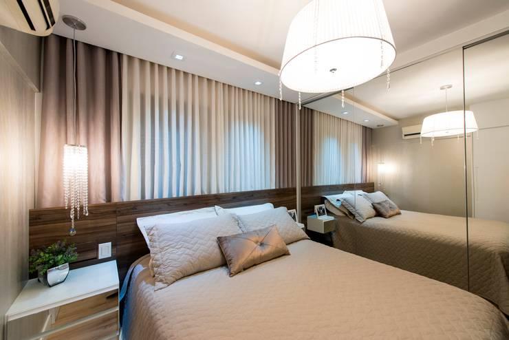 Apartamento Centro – Florianópolis: Quarto  por Cristine V. Angelo Boing e Fernanda Carlin da Silva,